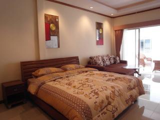 Nice studio condo at Jomtien (BSL TC F4 R420), Pattaya