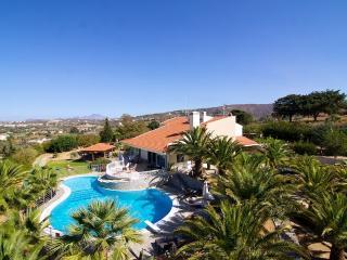 Giakoumakis Villa - A Peaceful Oasis!, Rethymnon