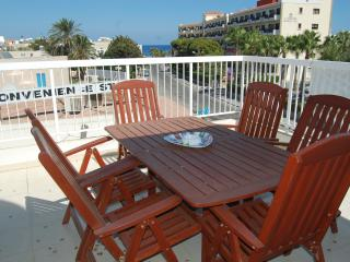 BLUAPT33 3 bed apt 200m from beach, Protaras
