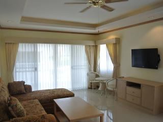 Luxury 1 bedroom penthouse condo (BSL TC F5 R522), Pattaya