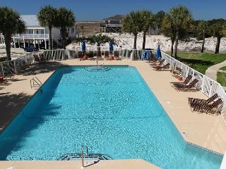 Pet friendly condo with a great view of the Gulf!