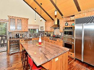 Updated 3BR + Loft Tahoe Tyrol Chalet w/ Gourmet Kitchen, Pool & Hot Tub