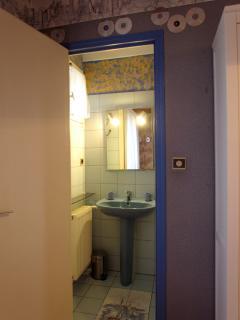 Salle de douche chambre 2