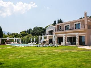 Luxury Villa Victoria Corfu, Roda