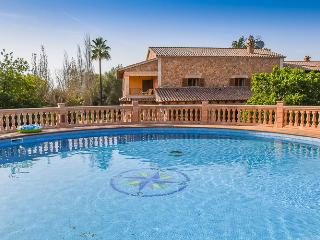 Beautiful house with private pool, close to golf, Algaida