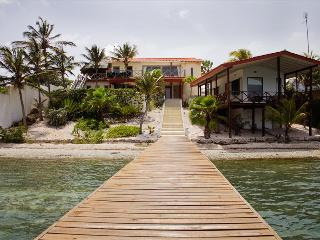 Sweet Breeze Oceanfront villa at Spanish Water, Willemstad