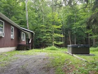 Paradise on Hurricane Creek ~ RA90975, Stroudsburg