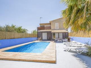 ROQUES LLISES - Property for 10 people in Vilafranca de Bonany