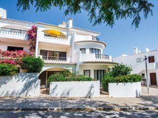 Seaside Cottage - Only €625 Euros July & August!, Luz