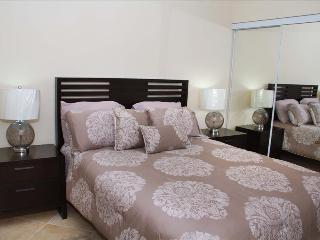 2 Bedroom Condo - Diamante 137-D, Noord