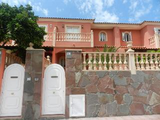 Comfortable townhouse for rest, Costa Adeje, Tenerife