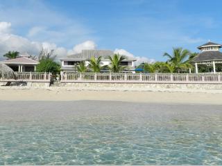 Villa Paradiso at Ocho Rios, Jamaica - Beachfront, Pool, Tropical Gardens