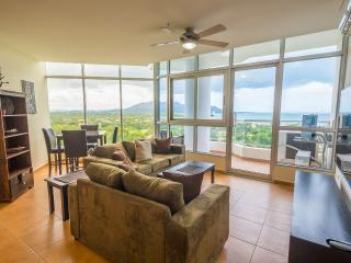 Coronado Golf 2-bdrm - 14th Floor Beauty, Playa Coronado