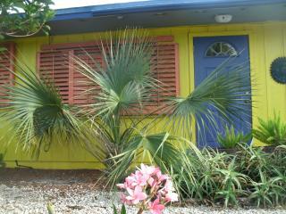 Banana Hammocks Carribean resort style Villa! Enjo, Fort Pierce