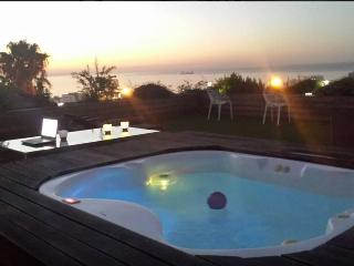 Secure home with panoramic views on the Slopes of, Cape Town