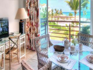 Studio Apartment with balcony, Jaccuzzi, Sea View, Punta Cana