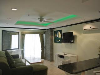 Newly remodeled 1 bedroom condo (JBC A2 F5 R45), Pattaya