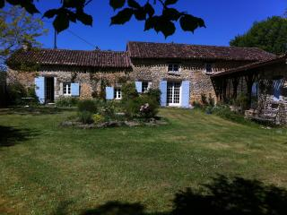18th century farmhouse with pool in Dordogne, Vergt