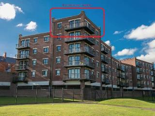 BELFAST LUXURY 2 / 3 BED PENTHOUSE APARTMENT