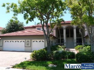 Quiet, gated community in heart of Island w/ heated pool and tennis courts, Isla Marco