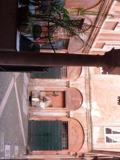 our courtyard dated year 1400: Palazzo Bonaventura