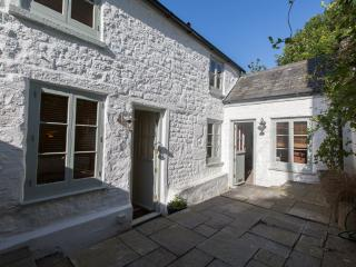 """Bellas Mouse"" - Listed Cottage & Annex. Sleeps 7., Penryn"