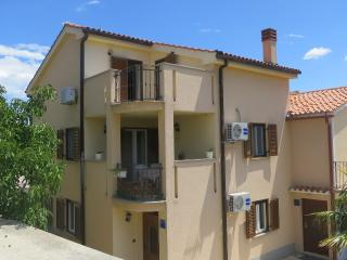 Dario apartment for 4 people near the beach, Malinska