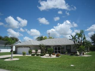 Villa Ranalli - Family Friendly Pool Home, Cape Coral
