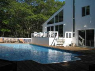 Great Fall Rates in Bright, White 4 Bed Contemporary in NW Woods on 2 Acres!