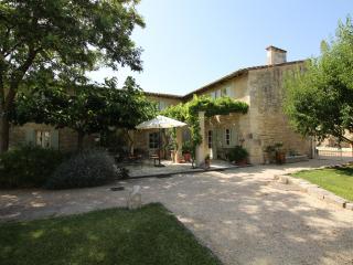 Saint Remy Provence Villa, Saint Etienne du Gres