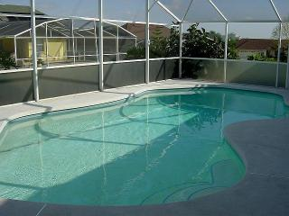 4 bedroom pool homes near Disney