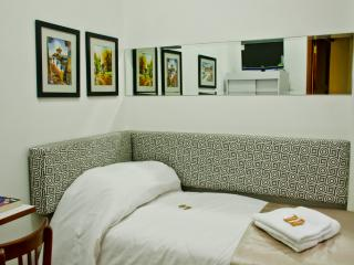 """LARQ'A PARK ROOMS"":Independent Room In Miraflores"