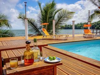 Villa Beau Rivage , face à la mer, les pieds dans l'eau - Piscine et accès mer
