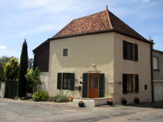 La Maison du Curé in Cormatin near Taizé
