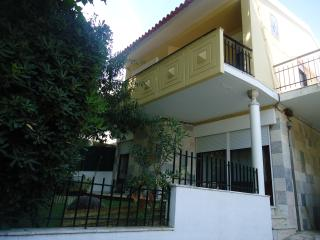 Villa with garden in Carcavelos