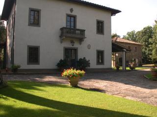 Villa Montignoso - Code: VV0006, Compiobbi