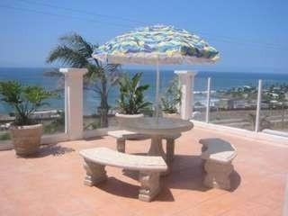 Beautiful Ocean View Vacation Home - sleeps 6-8, Rosarito