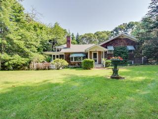 Beautiful estate w/large lawn made for socializing & kids' play room!, Martha's Vineyard