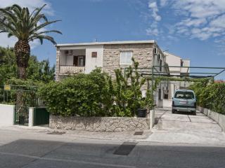 TH00732 Apartments MiLi / Studio apartment A2, Makarska