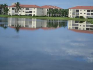 Ft. Myers,Lake View Condo, 2BR & 2BA, Best Beaches, Fort Myers