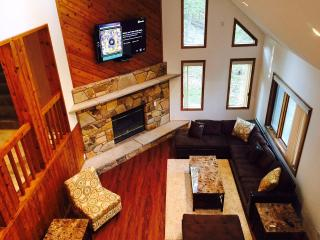 5* Luxury House - Promotional Pricing! 4 BR / 3 BA, Bushkill