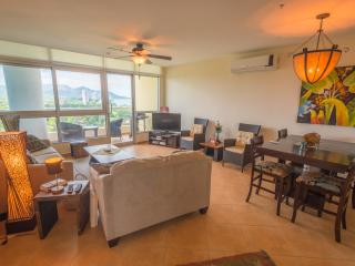 Coronado Golf 2-Bedroom with Great Views, Playa Coronado