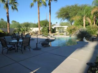 Beautiful Lake La Quinta Home with Large Back Yard