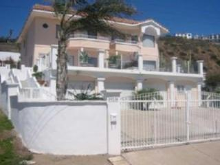 Beautiful ocean view home with all the conveniences awaits you and your group.