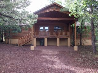 Log Cabin Retreat Pinetop Lakes Country Club, Pinetop-Lakeside