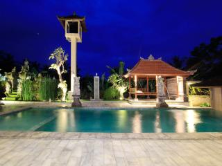 7 Bedrooms Cozy Villa with Ricefield and Pool View, Ubud