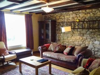 CHURCH COTTAGE, detached cottage, multi-fuel stove, WiFi, near Hexham, Ref 24621, Wall