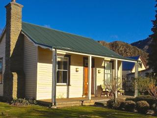 Awesome Anglesea, Arrowtown