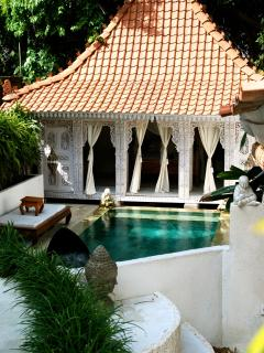 A view over the pool & Master Bedroom Suite of Rumah Lokan