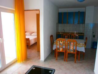 Mario Apartment C in Tisno